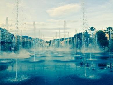 Jets d'eau Nice Coulée verte Promenade du Paillon