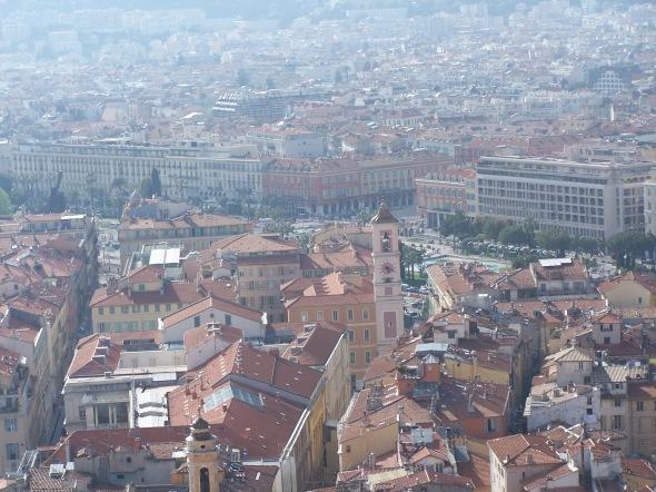 Nice vue panoramique des toits de la ville depuis le château